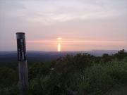 鳥海ブルーラインから眺める日本海に沈む夕日