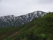 地蔵岳の手前から飯豊山頂方面眺望