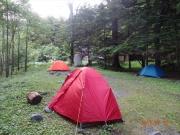 昨日と一転。設置自由の両俣小屋テント場