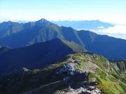 下山道から北岳肩ノ小屋と甲斐駒を眺望