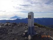 小赤石岳山頂から富士山眺望