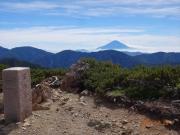 茶臼岳山頂から望む富士山