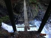 結構傷みの見える吊り橋もある