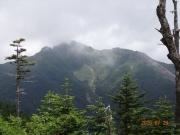 下山時に本日最高の塩見岳山頂眺望