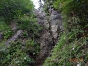 須原尾根ルートの「行者ころげ」岩場の鎖場