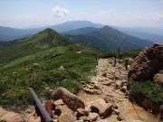 至仏山から小至仏山への縦走路