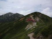 下山路で五竜山荘、白岳、唐松岳を眺望