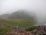 少しだけ霧が晴れた富士見岳