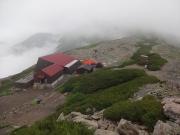 北岳山荘への下り