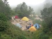 烏帽子小屋テント場にテント設営