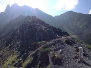 千丈乗越から見上げる槍ヶ岳