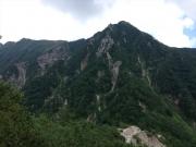 水俣乗越を過ぎると西岳と稜線