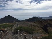 井戸岳から高田大岳や岩手山を遠望
