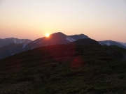 竜門小屋から眺める夕陽と寒江山