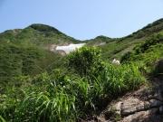 祝瓶山へ急登途中で写真撮影後、カメラを置き忘れ!