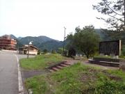 休憩地のダム管理棟そばのトイレ小屋