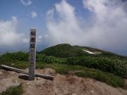 朳差岳山頂(背景は前朳差方面)