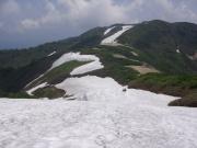 雪渓ルートの先に切合小屋