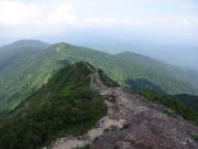 三国岳から剣ヶ峰、地蔵山に向かう稜線