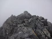 ガスに包まれた剱岳山頂