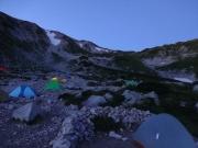 夜明け前の剣沢キャンプ場