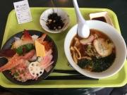 空腹と寒さのため、暖かくボリュームある昼食