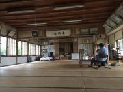 居多ヶ浜記念堂の内部