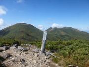小岳から八甲田大岳、井戸岳を眺望