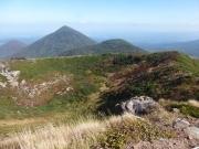大岳山頂から小岳、高田大岳を振り返る