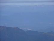 富士山頂から御嶽山噴火?を遠望