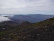 鬼ヶ城稜線に乗っかった雲の帽子