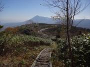 茶臼岳からバス停への下山道