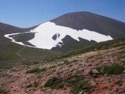 大雪山への雪渓登山道