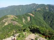 三ノ塔過ぎから塔ノ岳、丹沢眺望