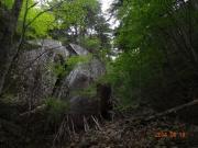 最初の巨岩
