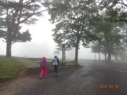 霧雨の中登山に出発進行~ゴンドラ利用